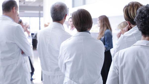gruppo-farmacisti-dialogo.jpg