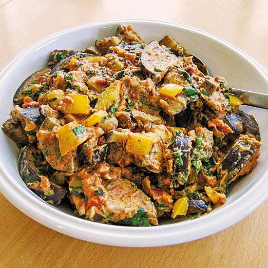 Rezepte für die Bordküche: Aubergine in Erdnusssoße à la Créole