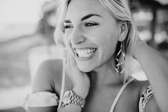J a n i n a _janina_sonrisa #surfergirl _#gardenwedding #hochzeitsfotograf #hochzeitsfotografmünchen