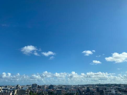 開放的な青空