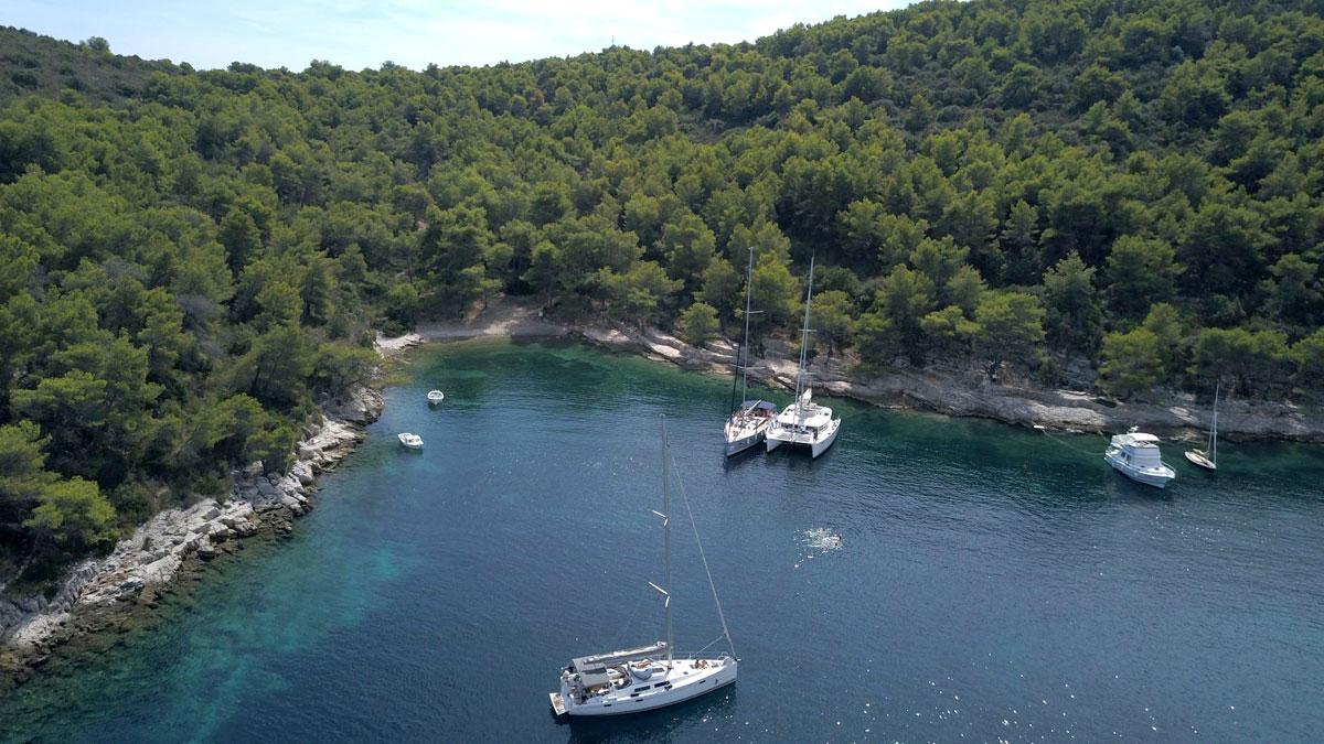 Catamaran_Sailing-Yacht_Dalmatia-Coast_b