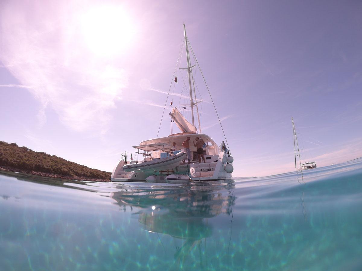 Catamaran-sailing-the-Adriatic-(photo-co