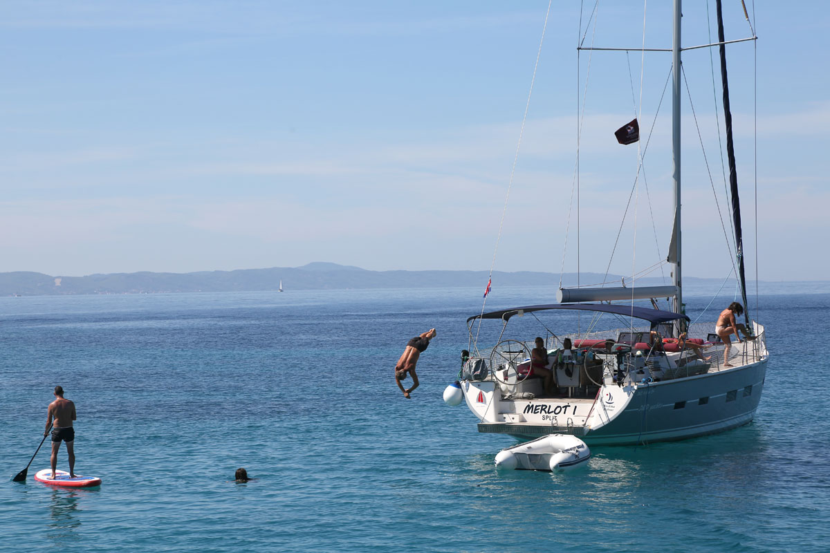 Swim-time_sailing-yacht_Dalmatia-Coast-(