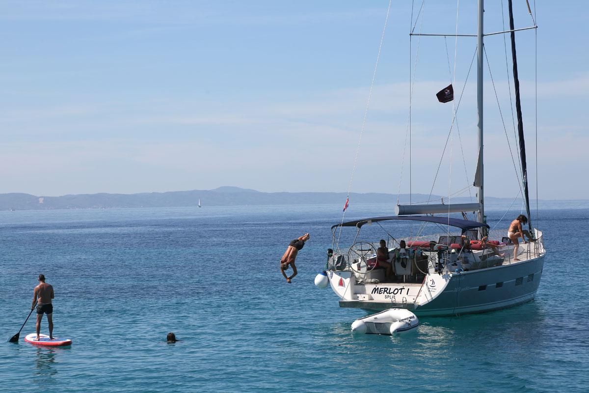Swim-time_sailing-yacht_Dalmatia-Coast-(