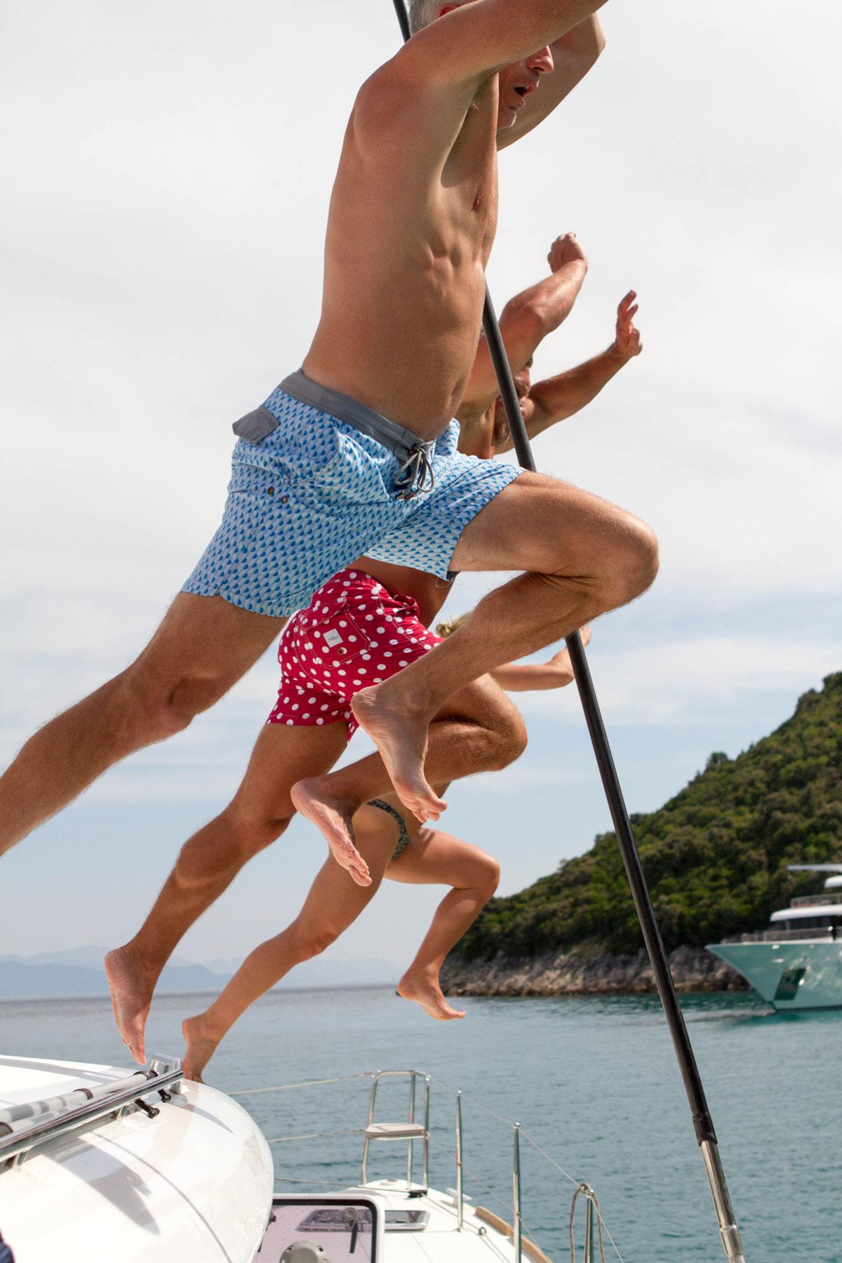 Jumping-off-Catamaran-launch_sailing-Adr