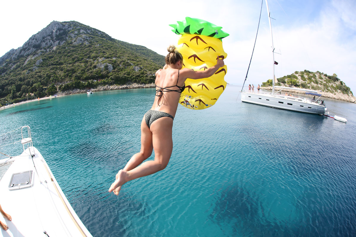 Catamaran-pineapple-float-jump_bay-swim-