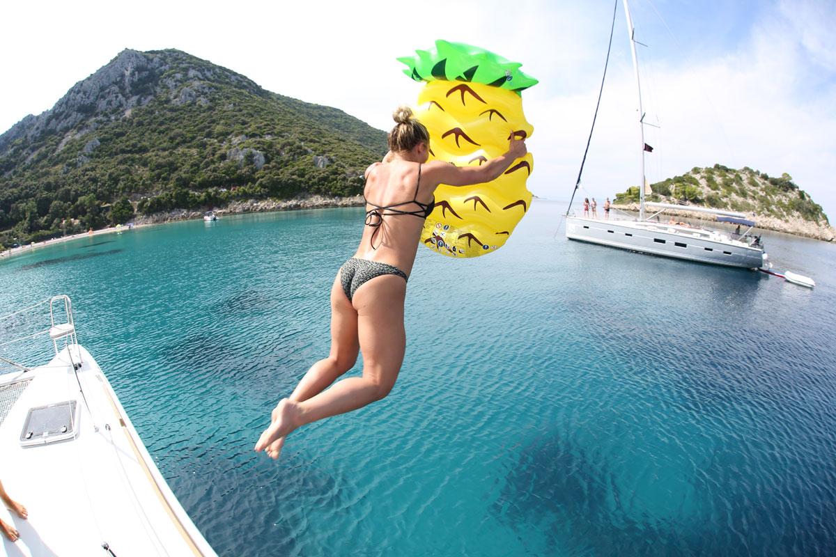 Catamaran-pineapple-float-jump_bay-swim-