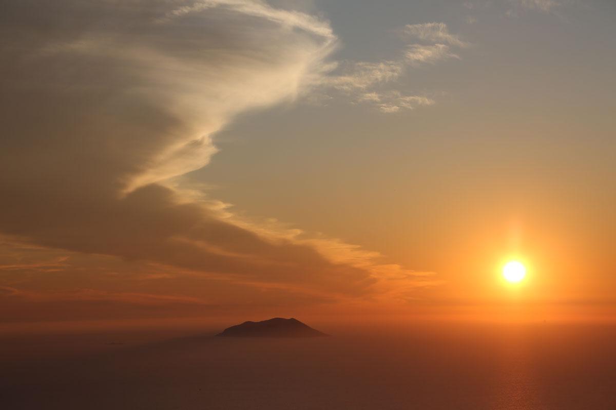 Sunset-on-Vis-(photo-courtesy-of-Marin-T