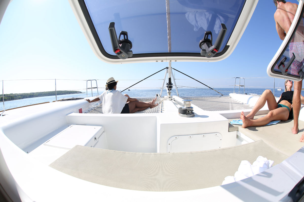 Catamaran-sailing-with-a-view_Dalmatia-C