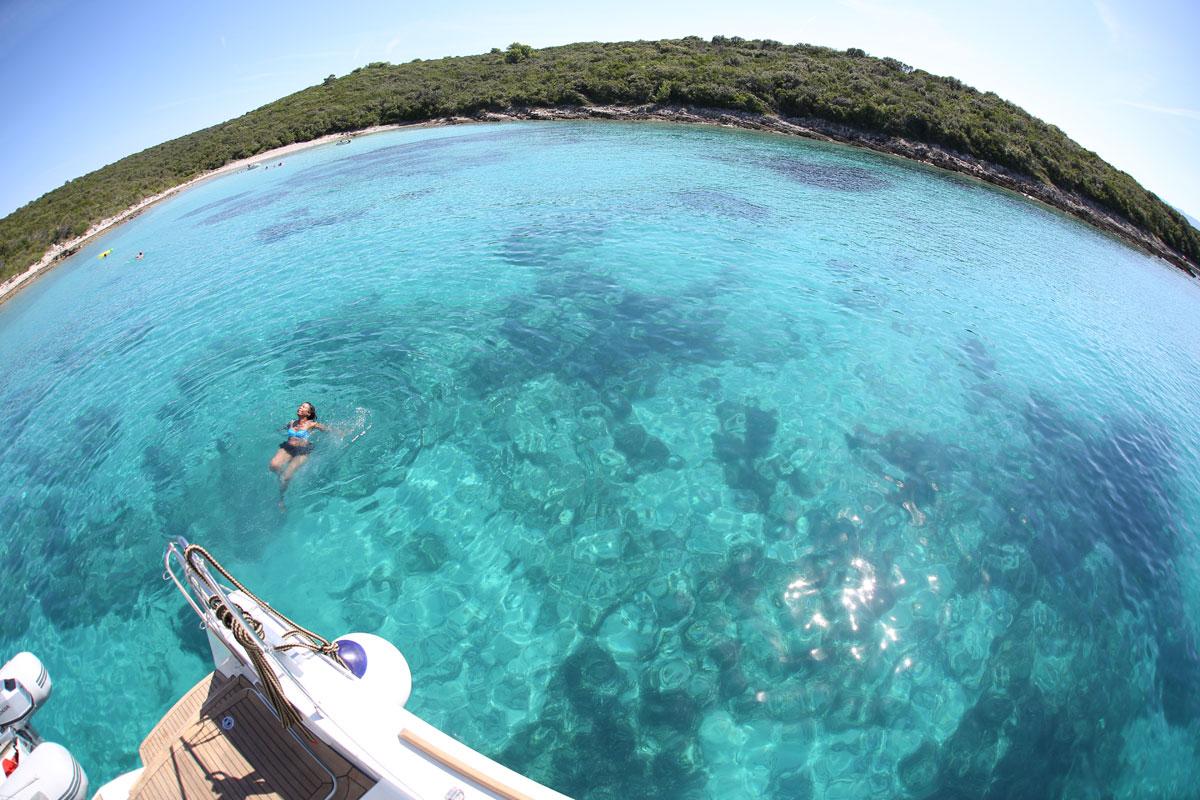 Catamaran-sailing_swim-time_Dalmatia-Coa