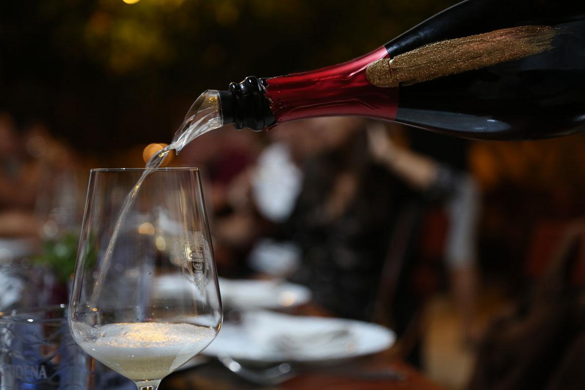 Grk-sparkling-wine_Zure-Restaurant_Korcu