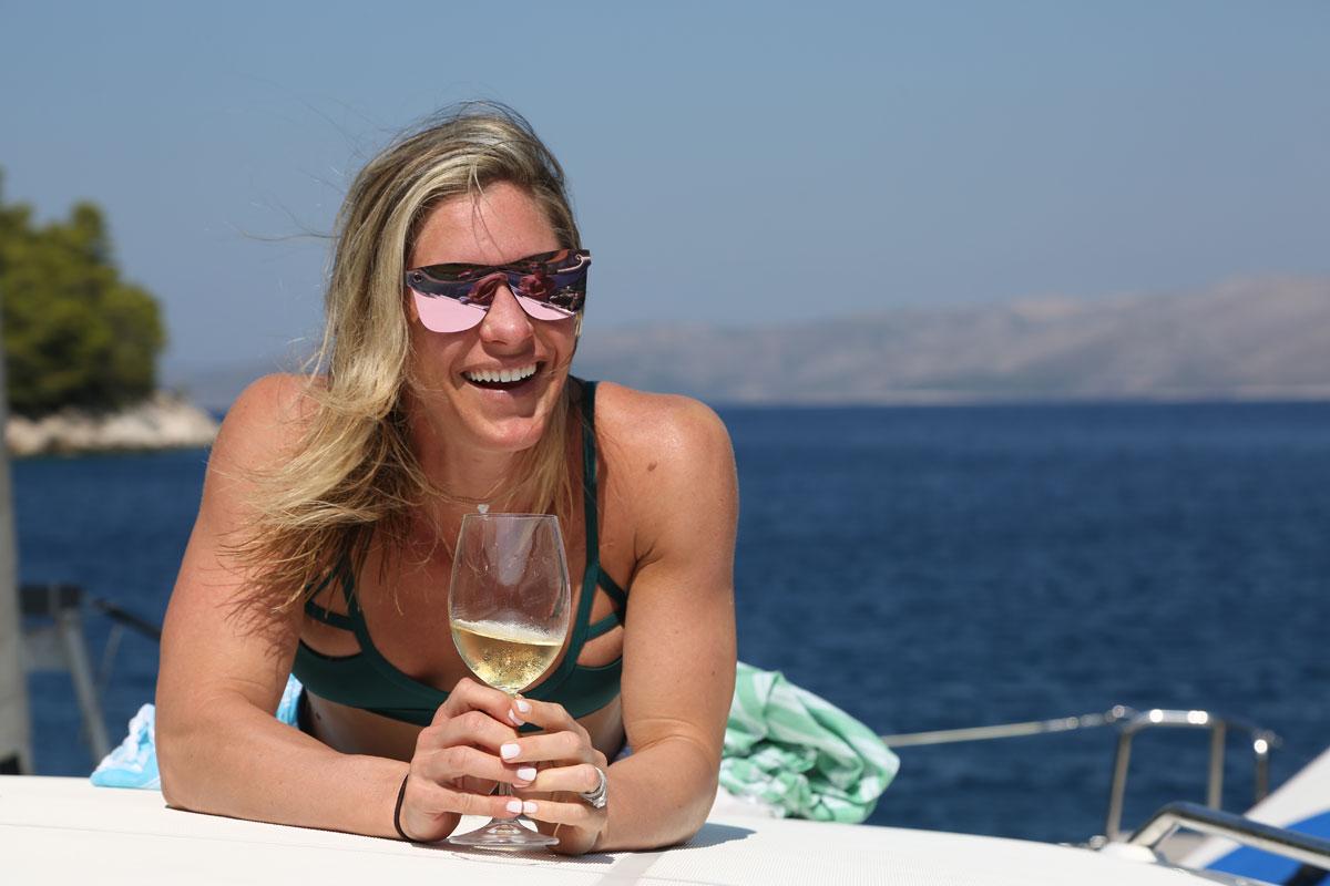 White-wine-and-catamaran-sailing-the-Dal