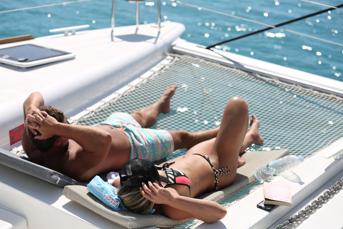 Catamaran-lounge-time-sailing_Dalmatia-C