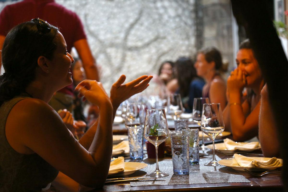 Winemaker-dinner-at-Zure-Restaurant_Korc