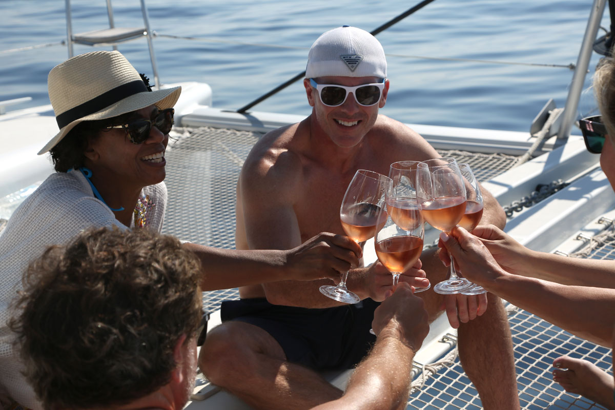 Rose-wine-time_catamaran-sailing_Dalmati