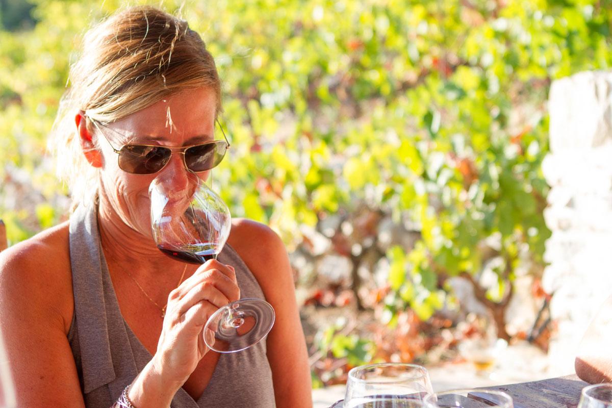 Wine-tasting_Bura-Mrgudic-vineyards_Pelj