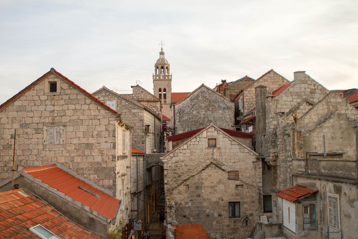 Korcula-rooftops_sailing-Adriatic_Wind-_