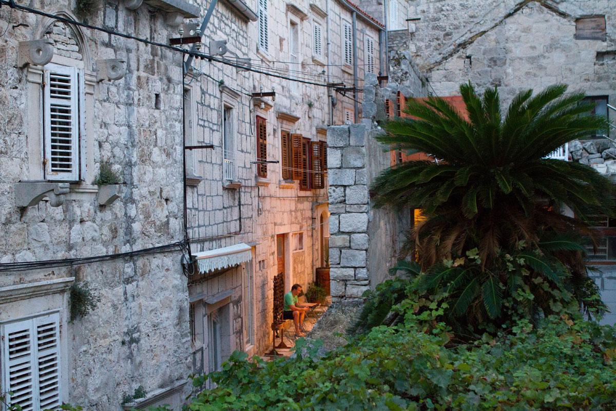 Streets-of-Korcula-at-dusk_Dalmatia-Coas