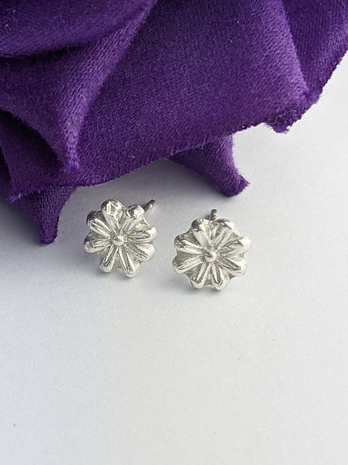 Sustainable Silver Daisy flower Stud Earrings
