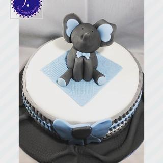 Classic Victoria sponge cake.jpg