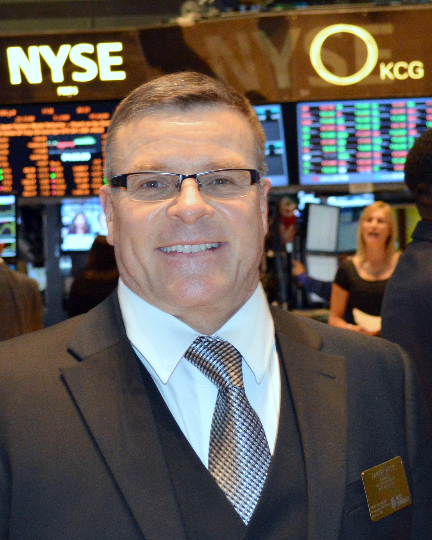 NYSE Closing Bell 2014.jpg