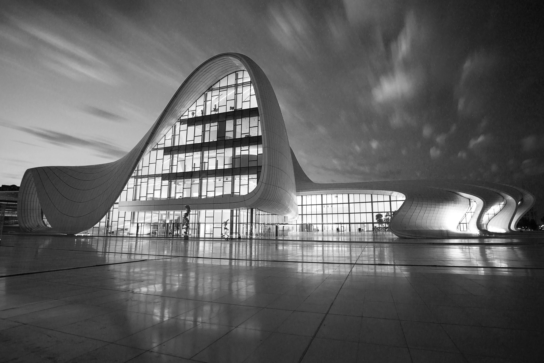 Bild 3 Architektin - Zaha Hadid Baku Aze