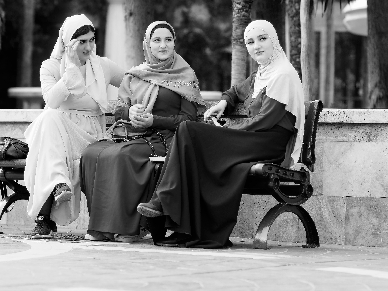 Bild 9 Baku 3 Touristinnen