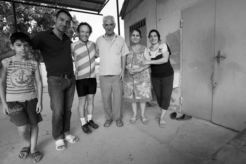 Bild 10. Bei Ilkin und Familie