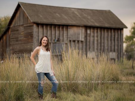 Longmont Colorado Senior Photographer |  Erika's Rustic Senior Session - Loveland High School Cl