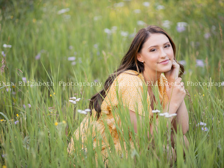 Brynlee's Colorado Mountain Senior Pictures | Larissa Elizabeth Photography