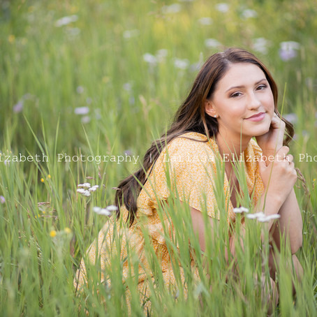 Brynlee's Colorado Mountain Senior Pictures | Larissa Elizabeth Photography