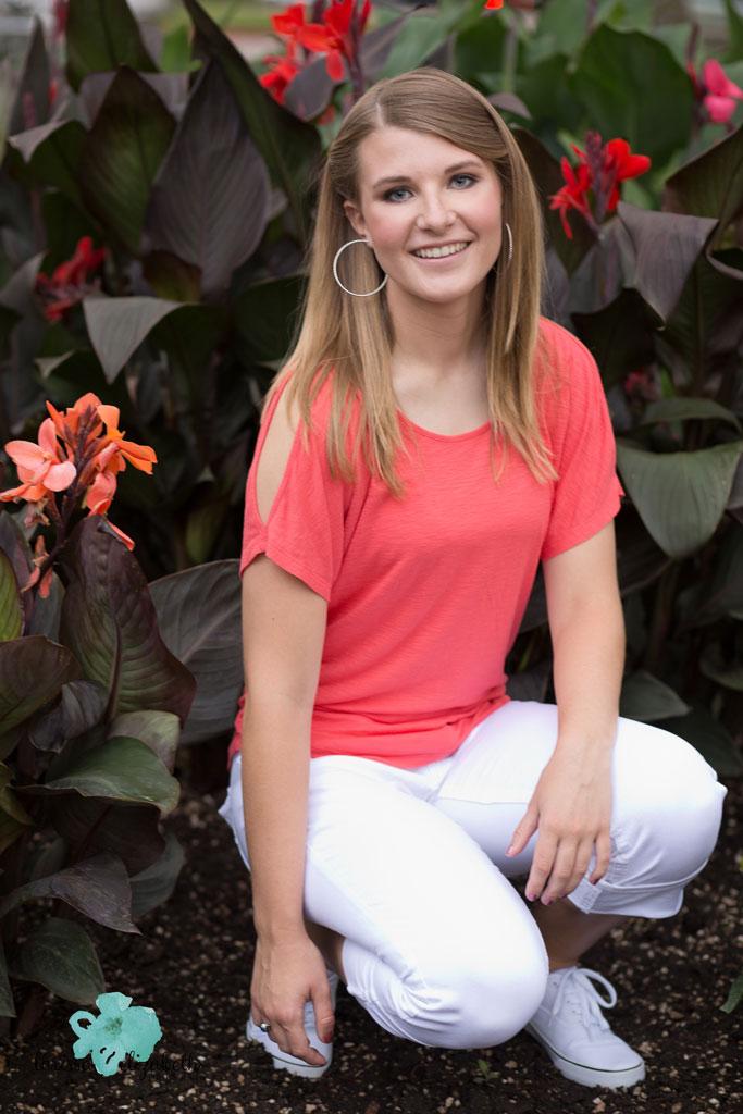 Garden-senior-girl-photo