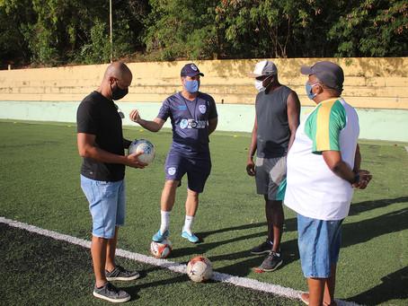 Ex-jogador Jorge Wagner visita estrutura do CEPE Stella Maris