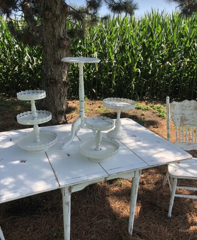 White Cakestands