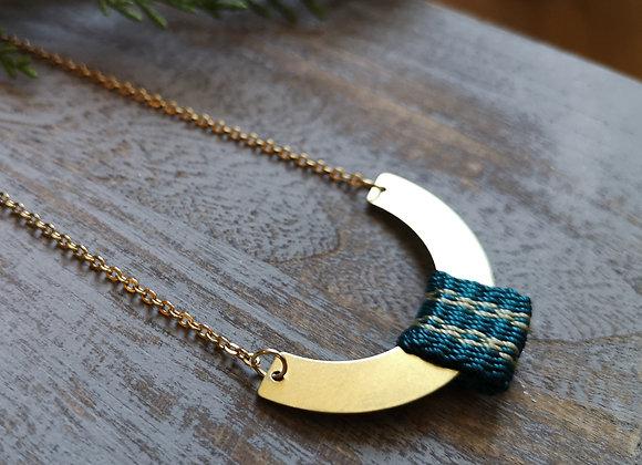 Collar media luna / half moon necklace