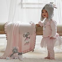 knit mouse blanket_edited.jpg