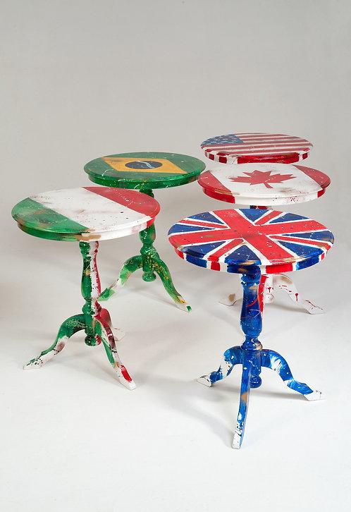 """Tavolino """"FLAG"""" decorato a mano"""