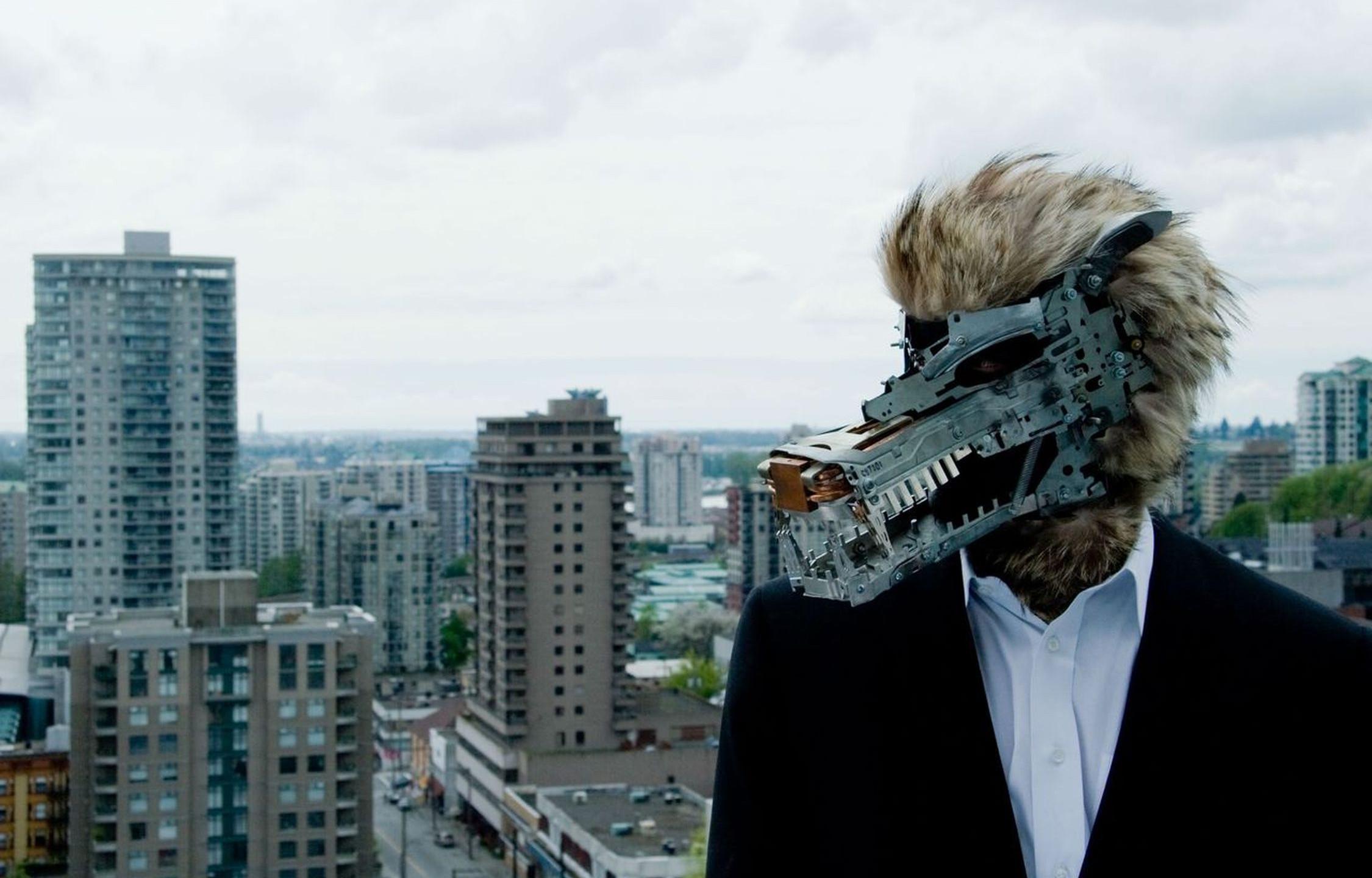 Wolf Mask - photo by Serena Vampa - Makeup - Leonie Goetz