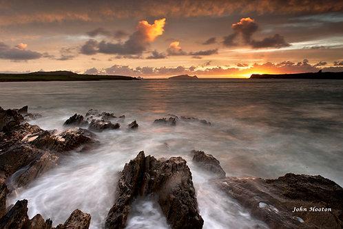Ferriter's Cove - misty rocks