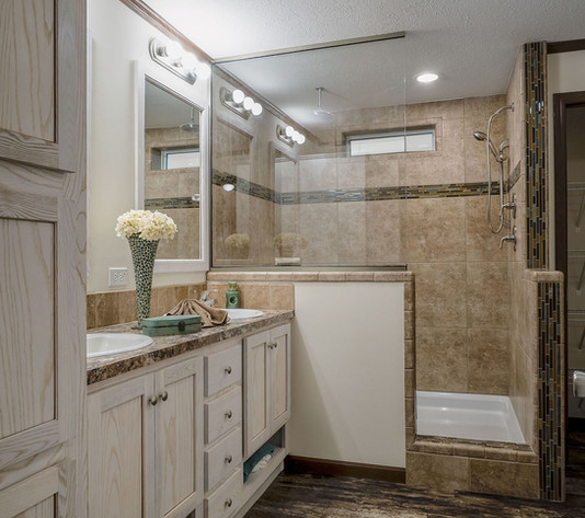 Diamond 2864-225 Master Bath.jpg