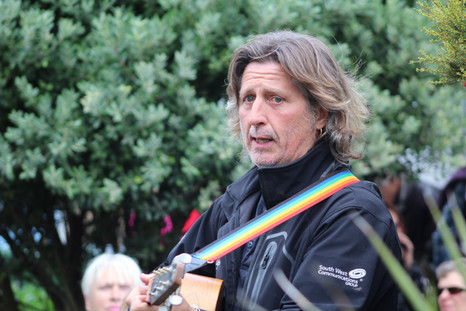 Steve Knightley plays in Norway    Square[1226].JPG