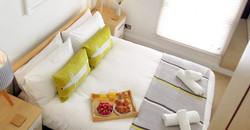 Pilchard-cottage-bedroom1-e1476352107728-555x290