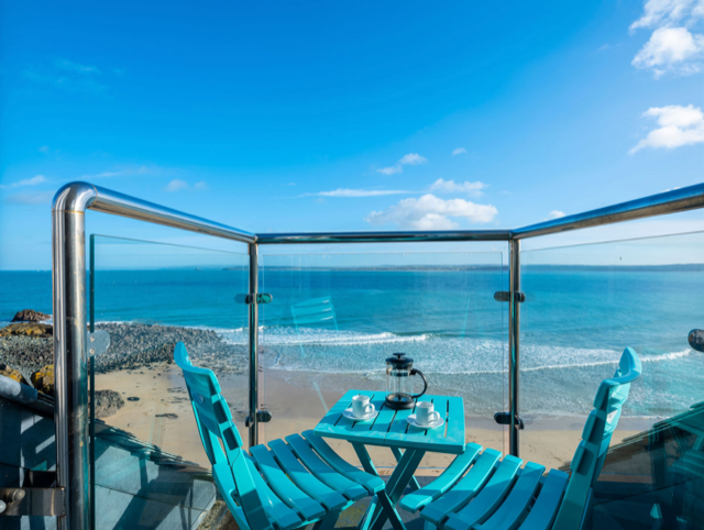3a-sea-view-place-balcony-view-3
