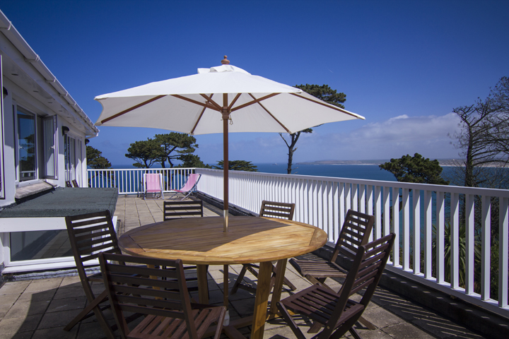 1-Birdsong-St-Ives-balcony-sea-views-to-