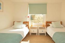 1000_twin_bedroom3