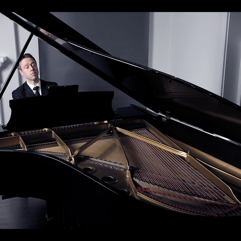 Seria Ludo: New Piano Music by Graham Lynch