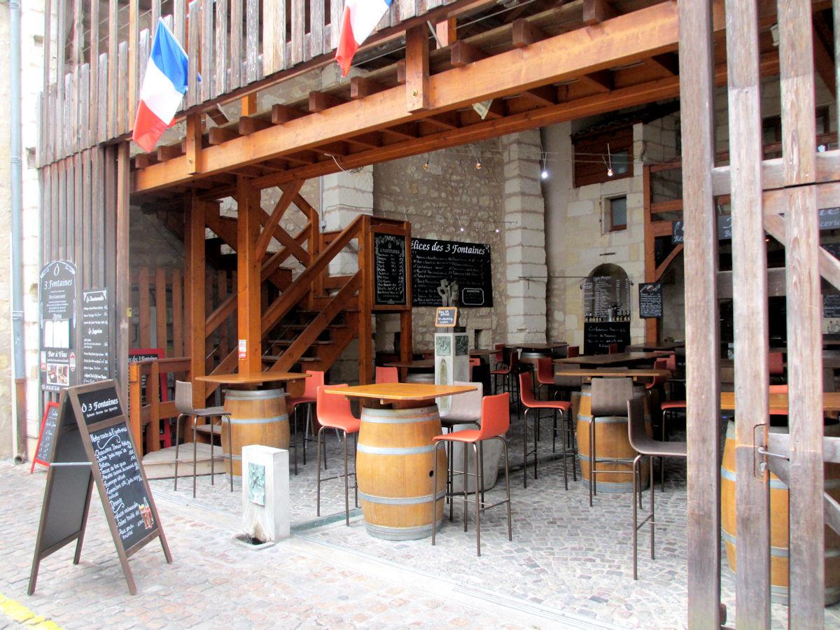 Wine-Tasting-St-Emilion-France.jpg