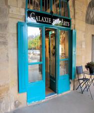 Paris-Art-Gallery-Place-des-Vosges.jpg