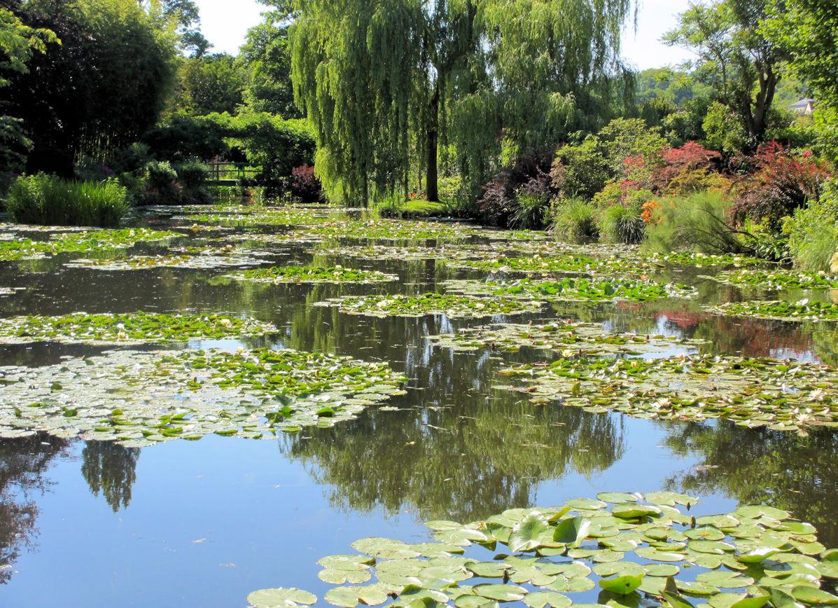 Giverny-Monet-2.jpg