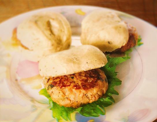 Rice flour&sesame seed's bread hamburger